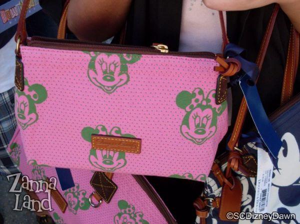 Pink Pouchette close-up