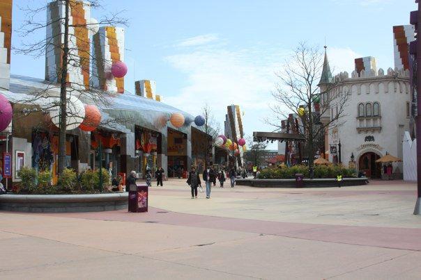 DLPR Disney Village