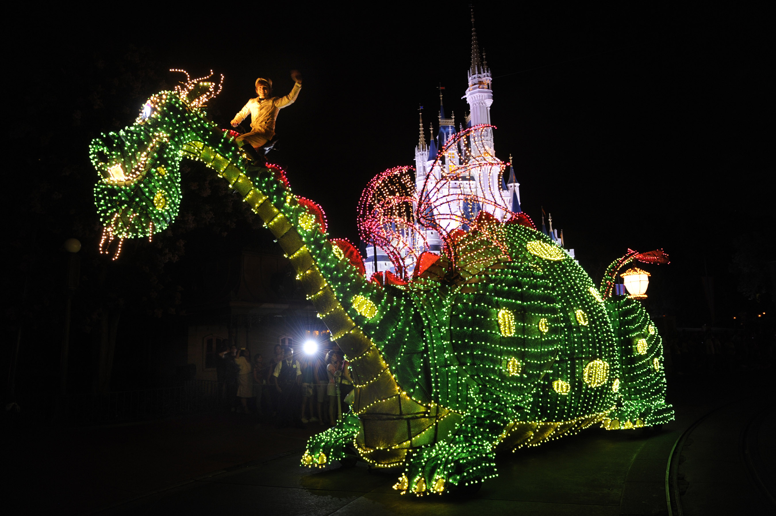 Rewinding the Magic-The Return of the Main St Electrical Parade