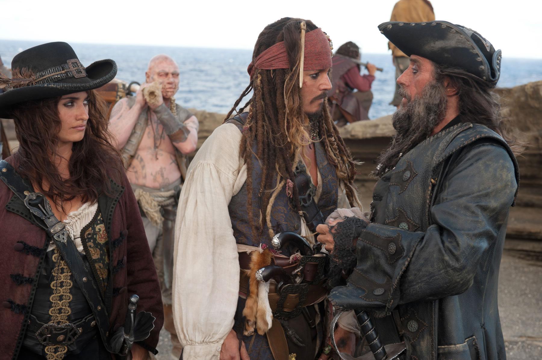 Pirates of the Caribbean: On Stranger Tides TRAILER!