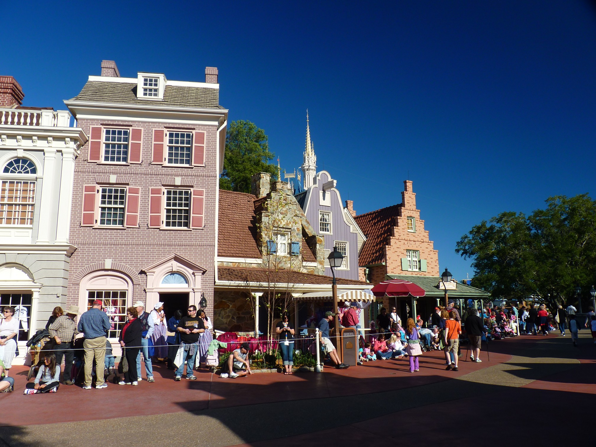 Jud's Disney Picture of the Day: FRONTIER LAND