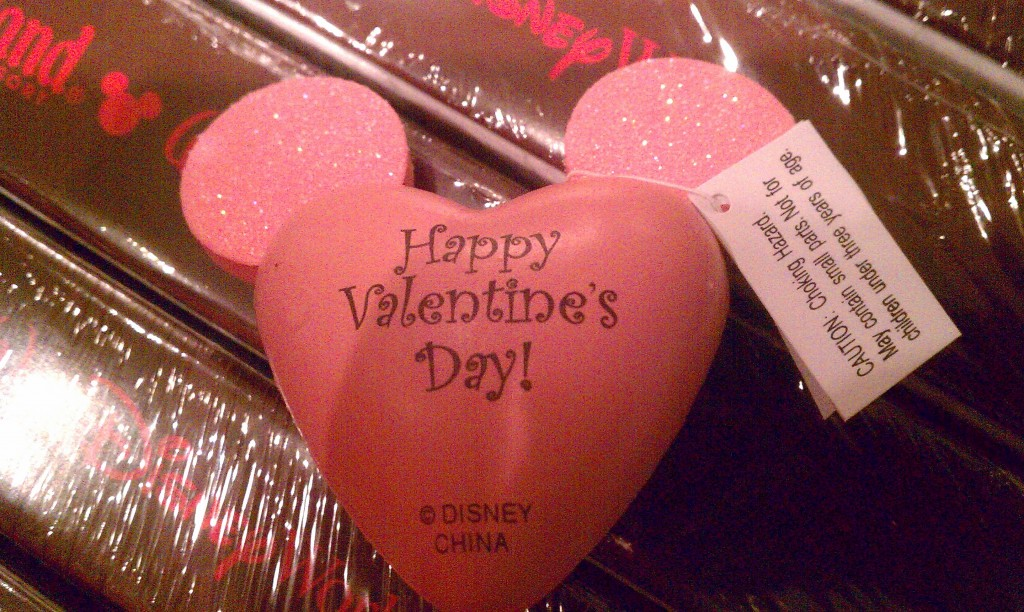 Valentines Mickey antenna topper