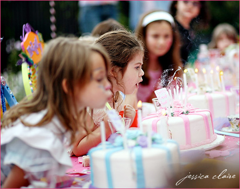 Alice in Wonderland birthday party cakes