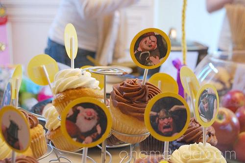 Tangled Rapunzel cupcakes