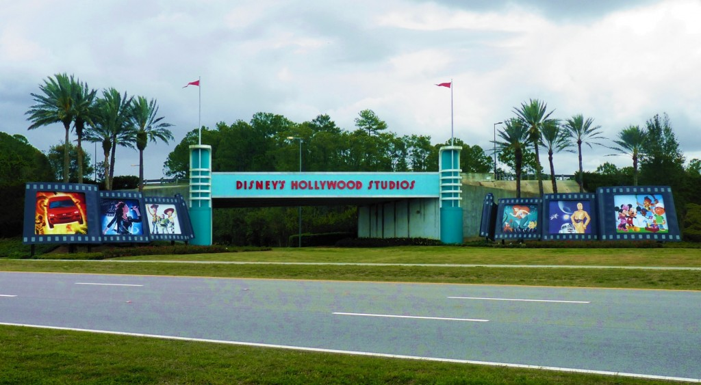 POTD- WDW- DHS Drive Through