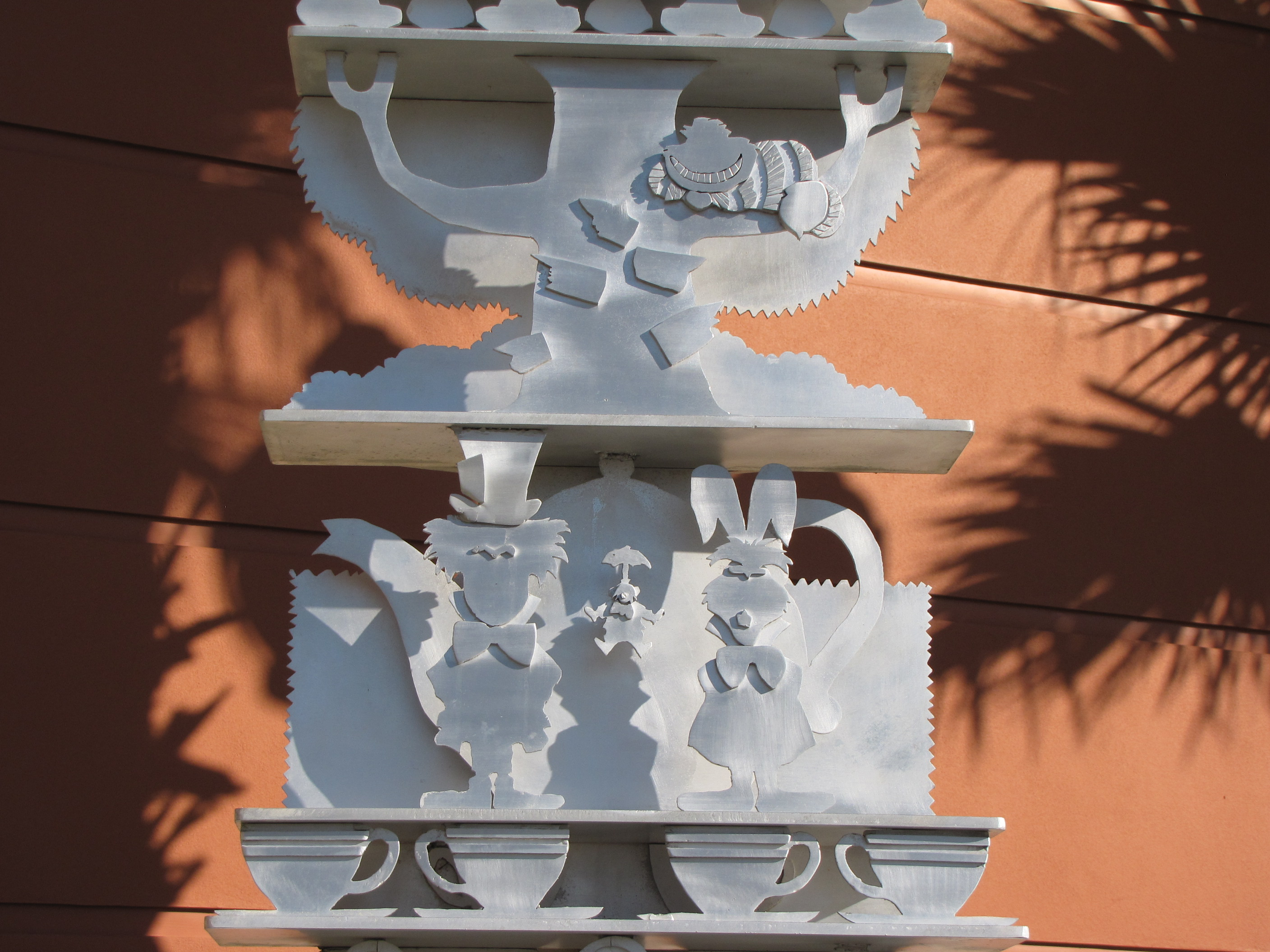 Alice in Wonderland Sculpture Hiding in Kissimmee