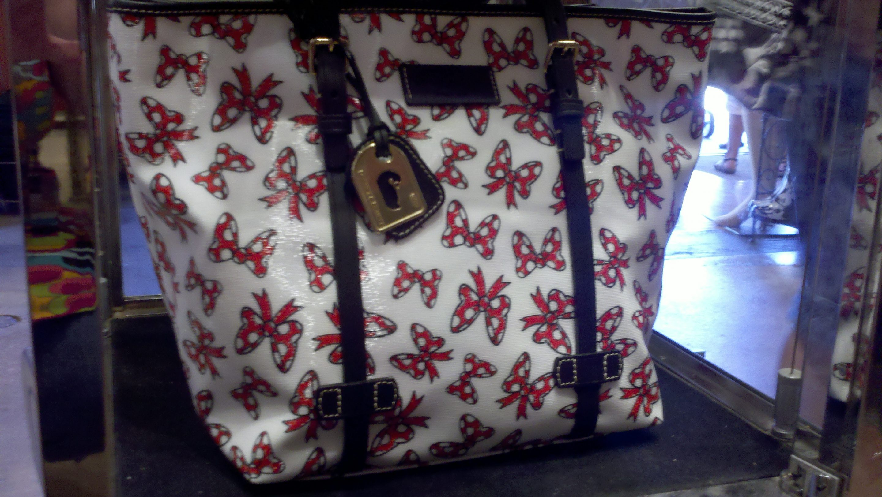 NEW! Disney Dooney & Bourke Minnie Bow Purses in Black and White