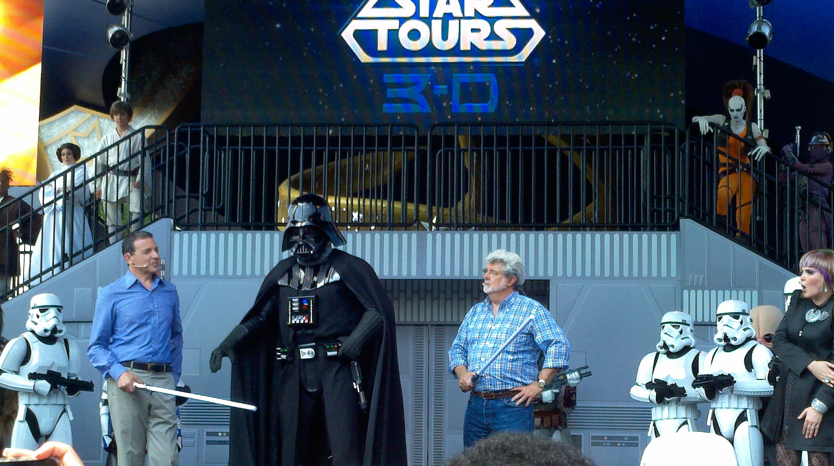 VIDEO: Star Tours Opening Day Characters in Full FORCE