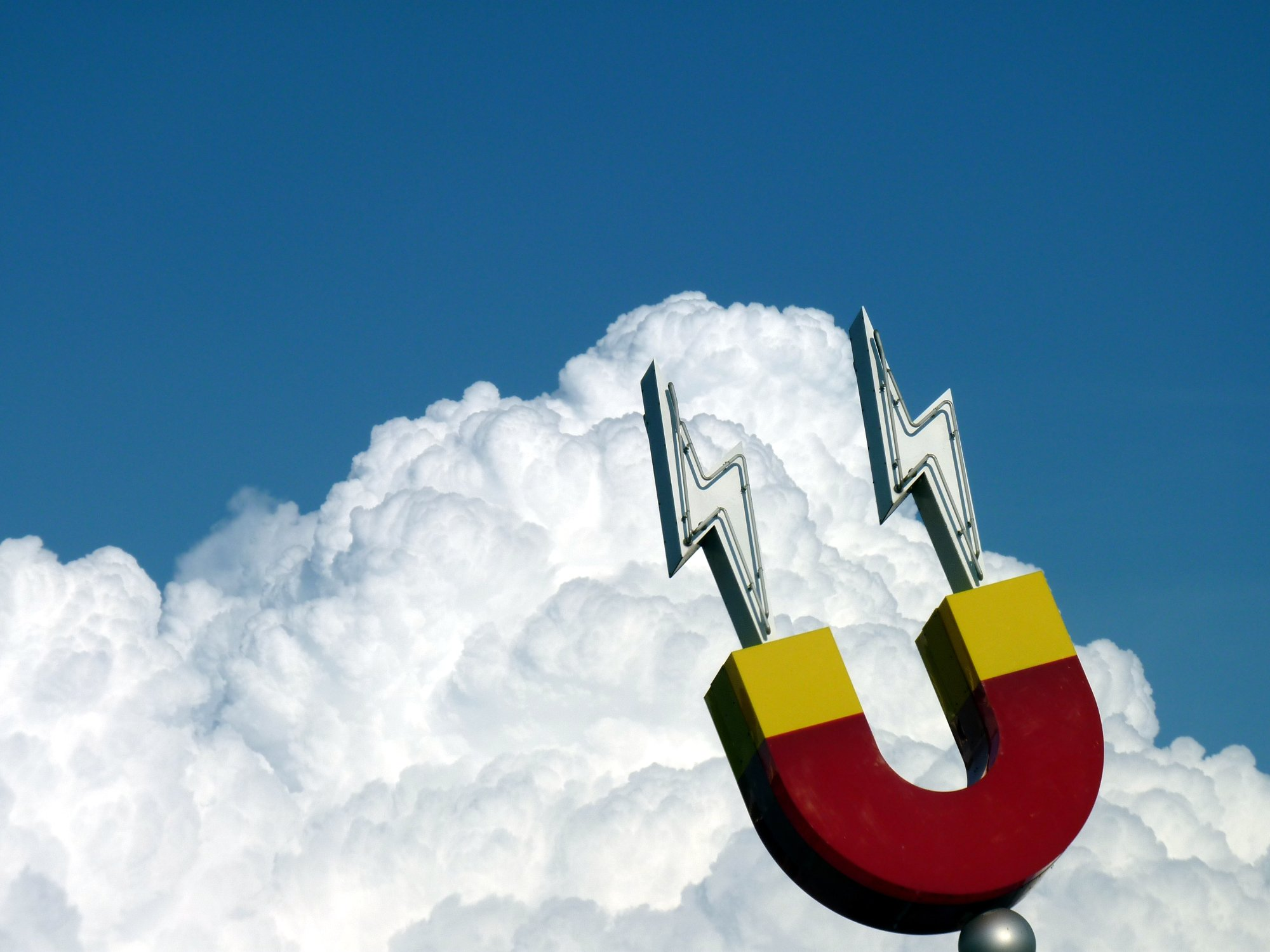 Jud's Disney Picture of the Day: Cloud Magnet