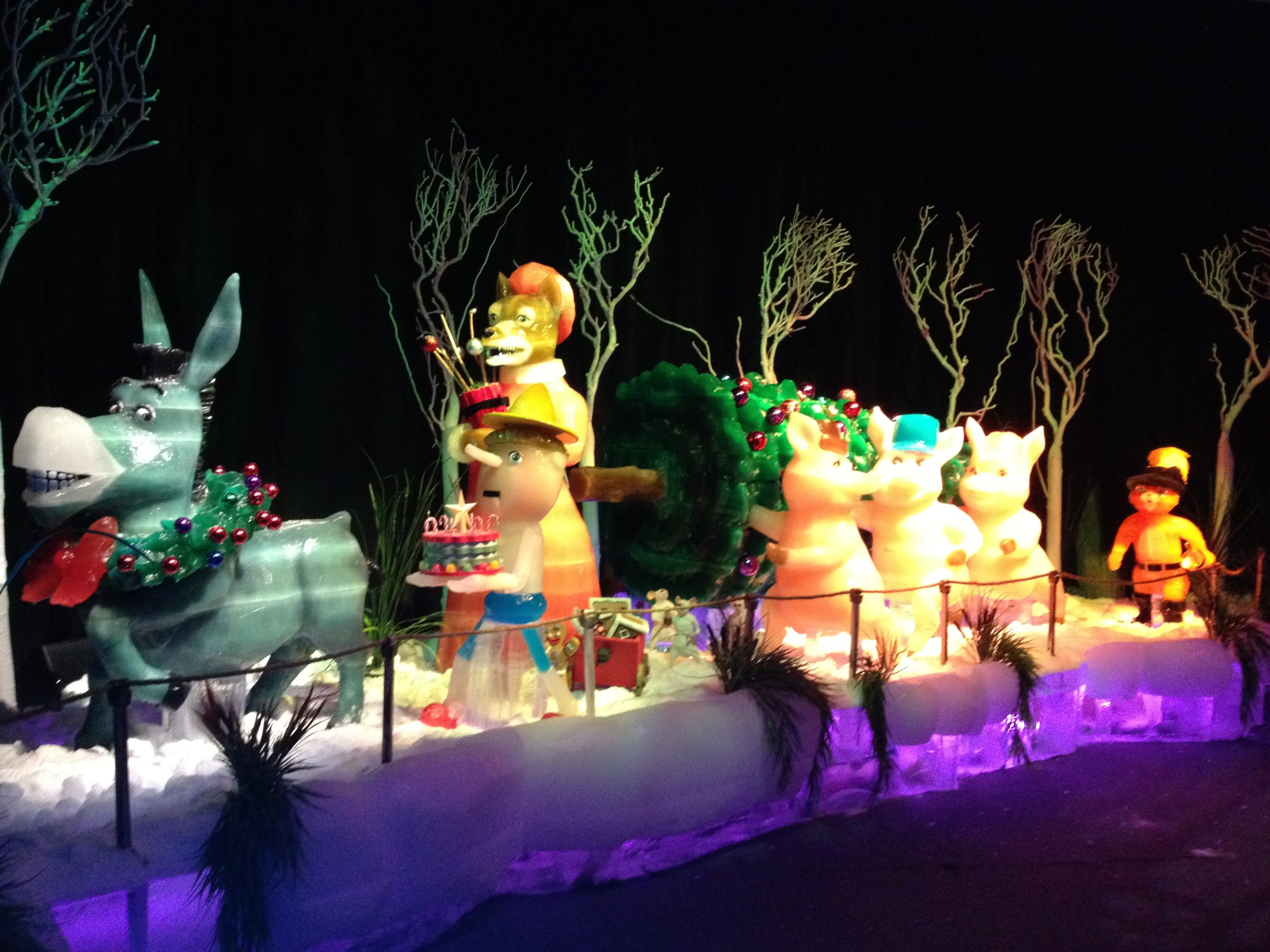 Experience Cold and Snow in Florida at Gaylord Palms ICE-Shrek the Halls!