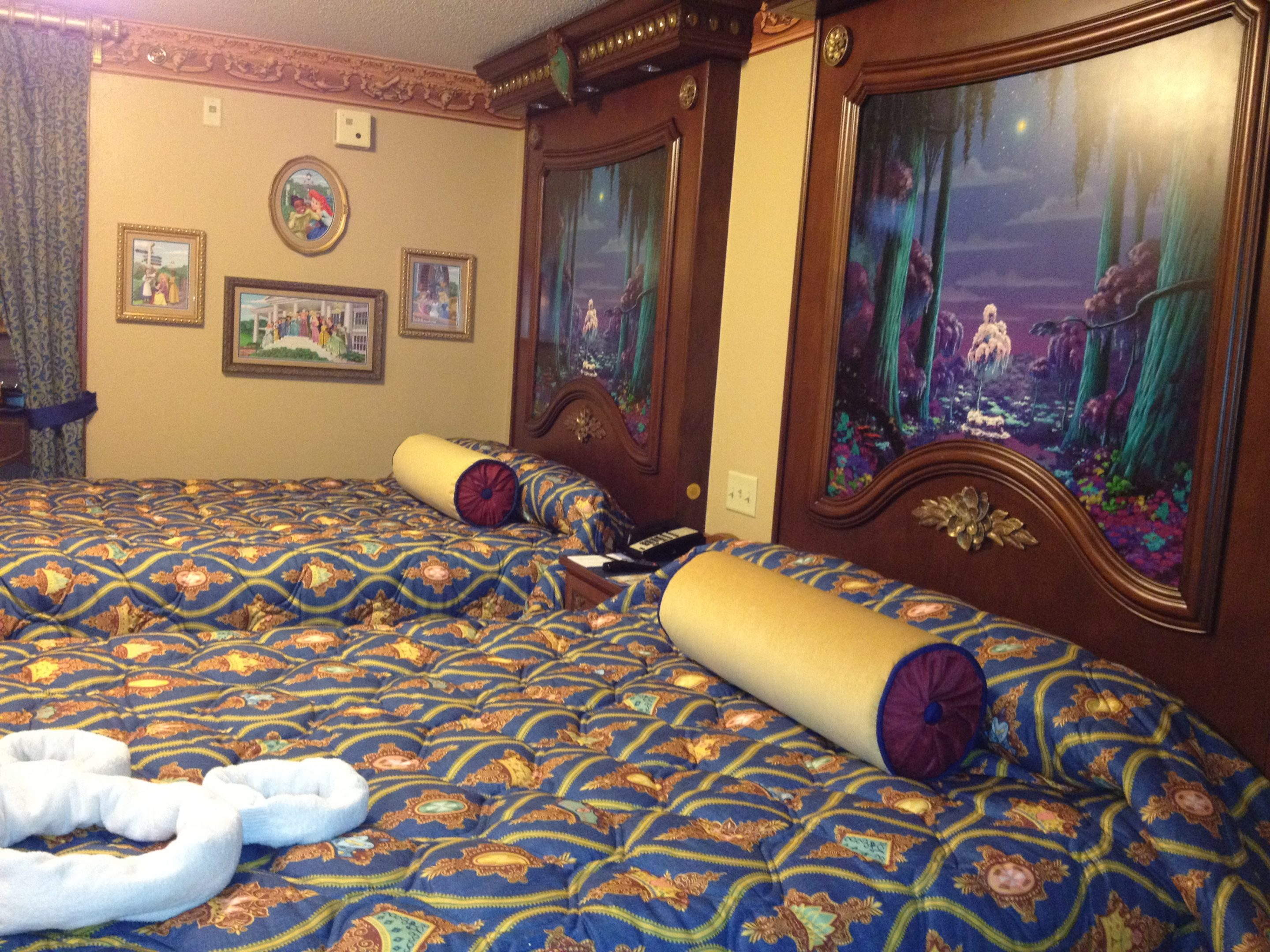 VIDEO: Tour the Gorgeous Royal Guest Rooms at Disney's Port Orleans