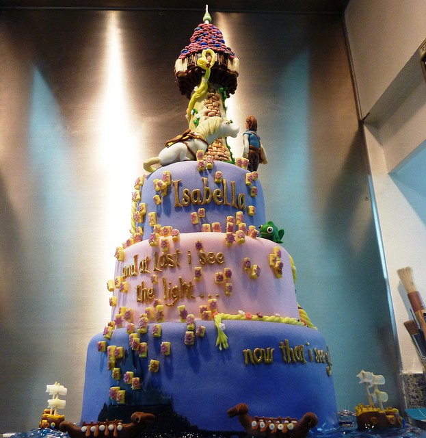 "Amazing Rapunzel ""I See The Light"" Cake"