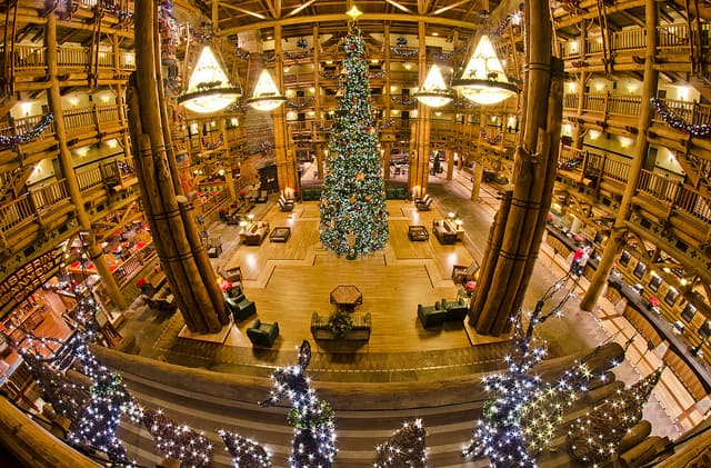 Behind the Scenes: Wilderness Lodge Christmas Comes to Life Overnight
