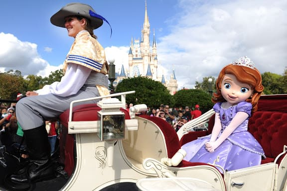 Sneak Peek at Sofia the First in the Disney Christmas Parade and In the Parks Too!