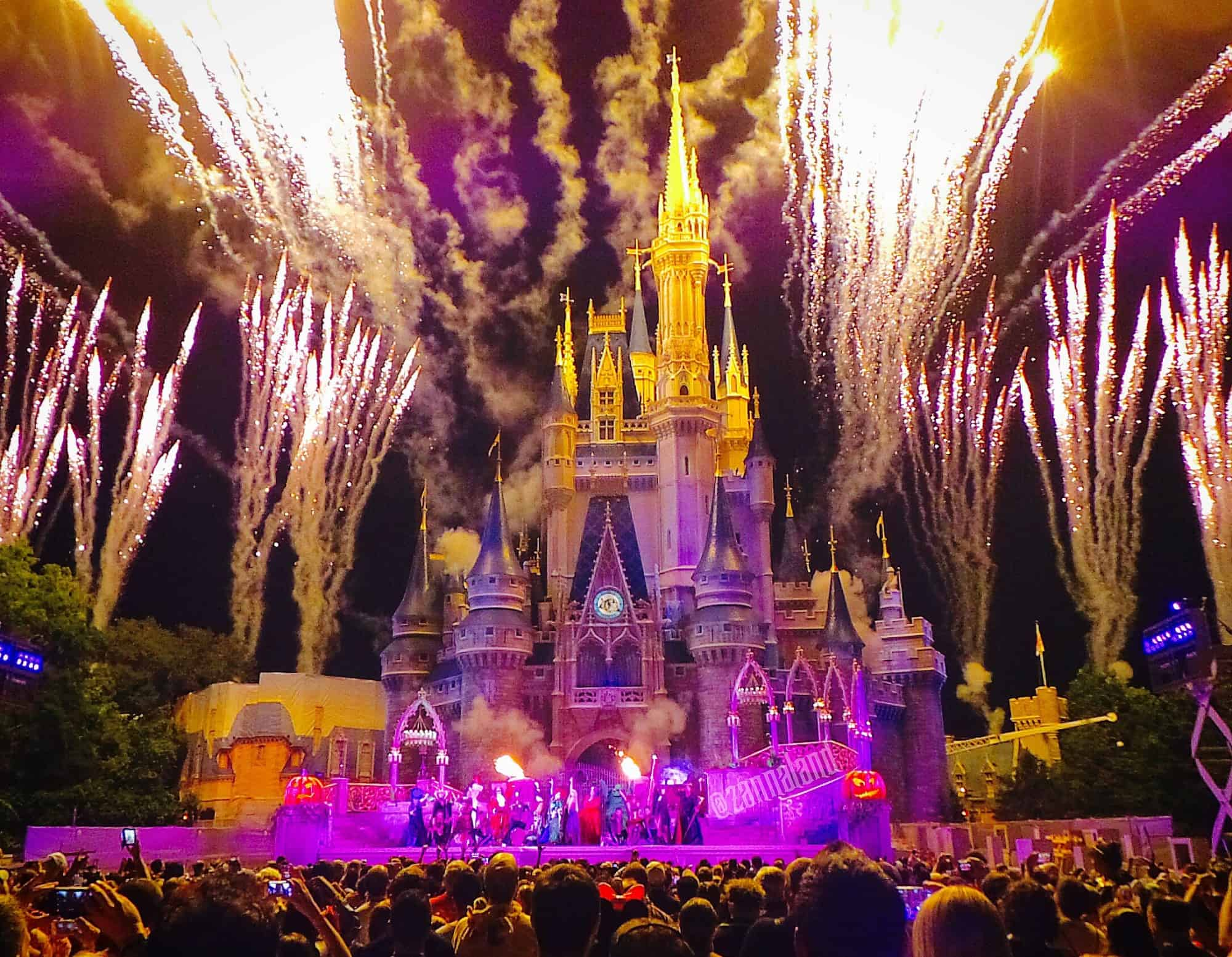 Finale of the Hocus Pocus Villain Spelltacular