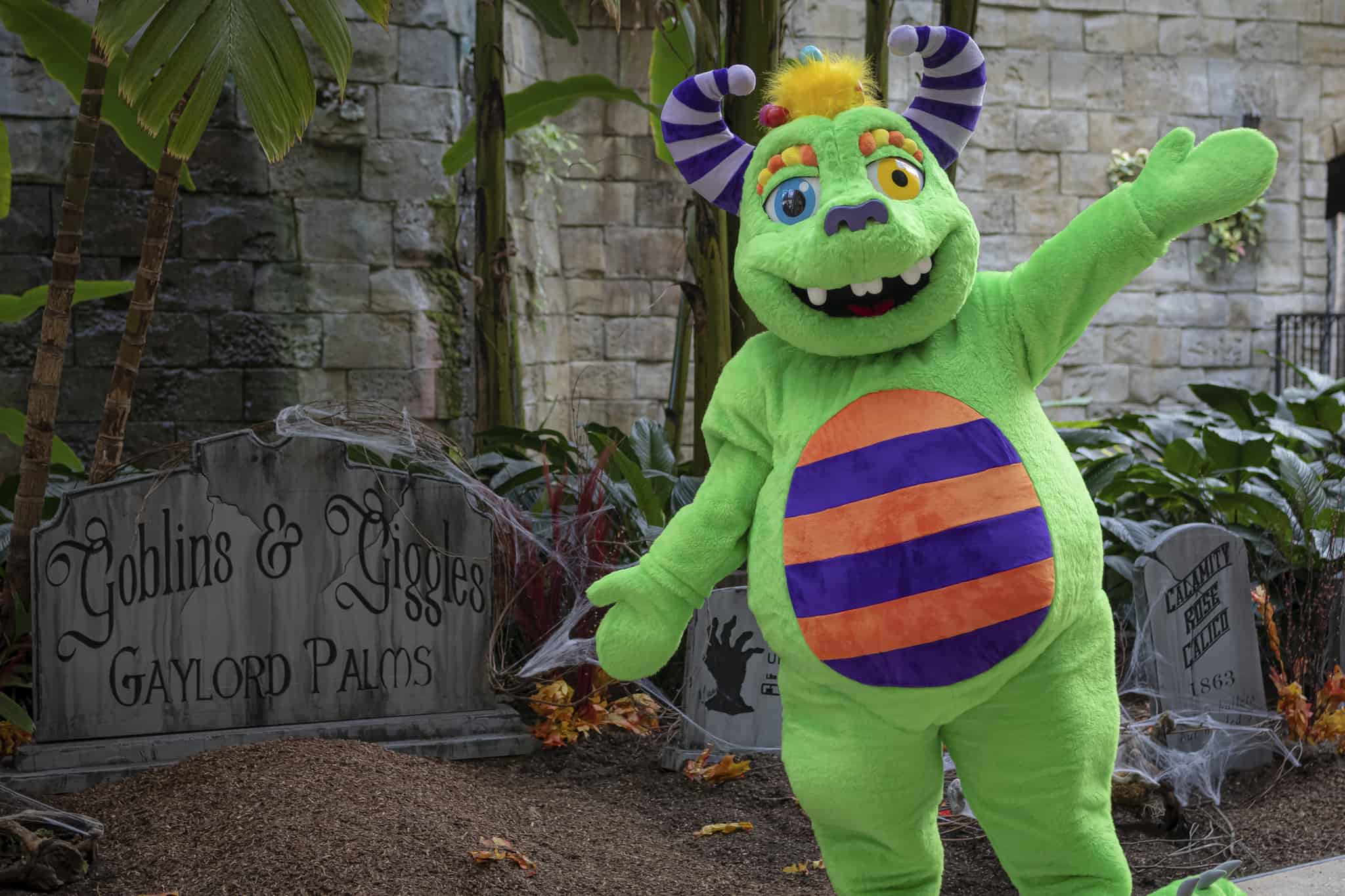 Gaylord Palms Goblins and Giggles character