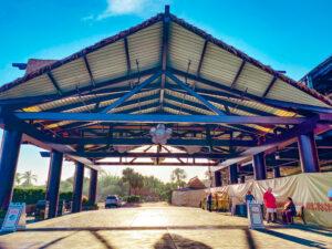 Disney's Polynesian open porte cochere